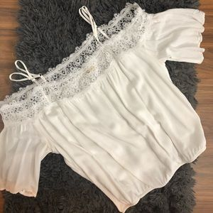 White hollister top